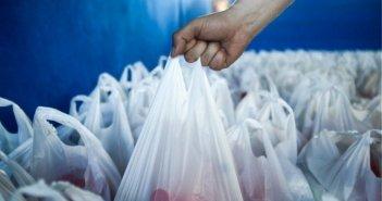 Τέλος πλαστικής σακούλας: Οι δράσεις για να επιστρέψουν στους πολίτες τα χρήματα