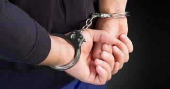 Πάτρα: Σύλληψη για κατοχή όπλων,ναρκωτικών,απειλή και φθορά ξένης περιουσίας