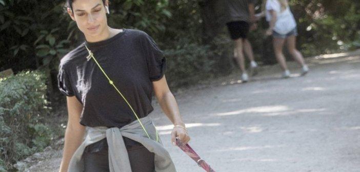 Τόνια Σωτηροπούλου: Πρωινή βόλτα με casual look μαζί με τον τετράποδο φίλο της!