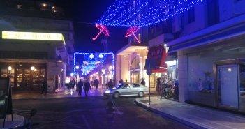 Χριστουγεννιάτικη ατμόσφαιρα στο Αγρίνιο… για να σπάσει η «μαυρίλα» της πανδημίας