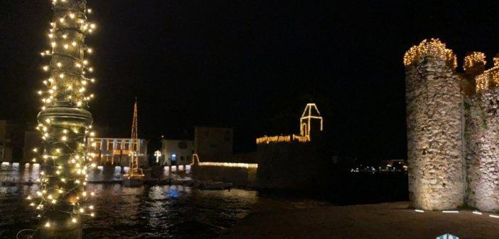 Ναύπακτος: Σε μαγεύει το Χριστουγεννιάτικο λιμάνι(Video-Φωτο)