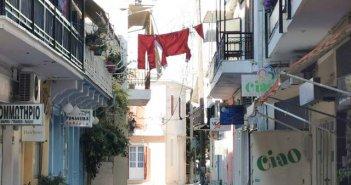 """Λευκάδα: """"Κρεμάστηκαν""""… τα ρούχα του Άη Βασίλη (ΦΩΤΟ)"""