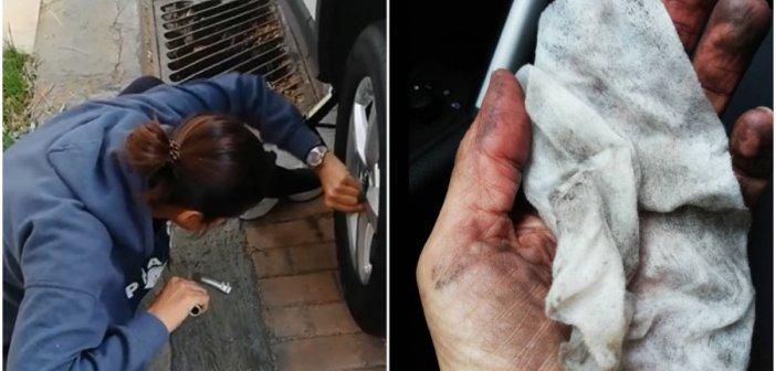Γνωστή Ελληνίδα βουλευτής αλλάζει μόνη το λάστιχο του αυτοκινήτου της στην άκρη του δρόμου (VIDEO)
