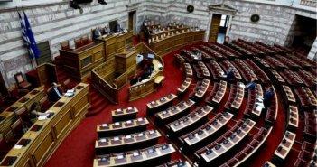 Βουλευτές – γιατροί ρίχνονται στην μάχη κατά του κορονοϊού ως εθελοντές στο ΕΣΥ