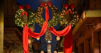 Ευχάριστη έκπληξη ο χριστουγεννιάτικος στολισμός του Μεσολογγίου!
