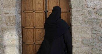 «Μπλόκο» πέντε μοναχών σε έργο €110 εκατ. του ΑΔΜΗΕ στα Καλάβρυτα