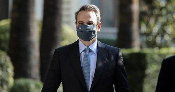 Παρασκήνιο: Τα «γκάζια» του Μητσοτάκη σε υπουργούς και μανδαρίνους για τον εμβολιασμό