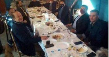 Δυτική Ελλάδα: Οργή για τραπέζωμα 12 ατόμων με τη συμμετοχή δημάρχου και αντιδημάρχου