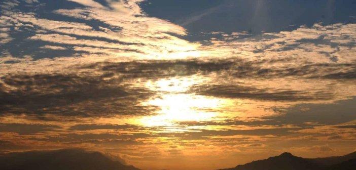 Η ανατολή του ηλίου στα Αμπάρια Τριχωνίδας (ΦΩΤΟ – VIDEO)