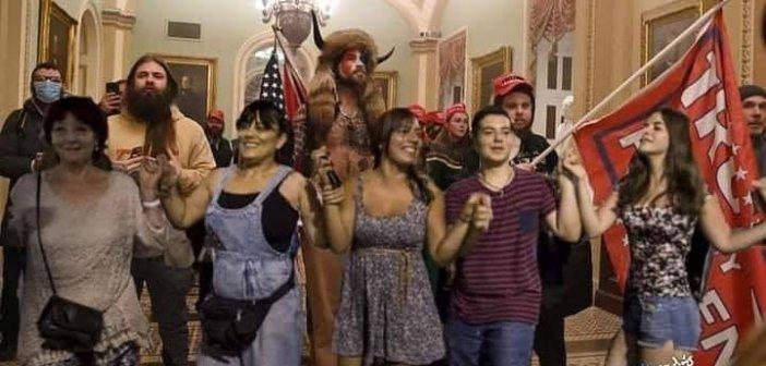 Αμερικάνοι «τραμπιστές» και Έλληνες «αγανακτισμένοι»