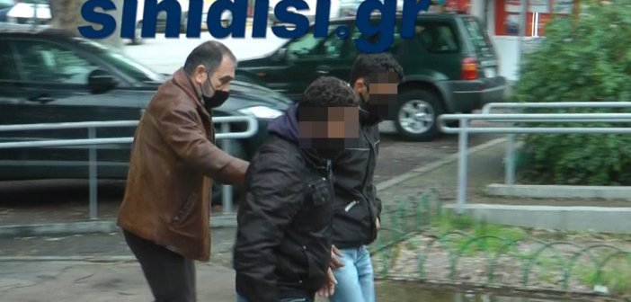 Φρίκη στo Χαλκιόπουλο : «Ο ανιψιός μου και οι δύο γείτονες μπήκαν στο σπίτι μου και μας έδεσαν»