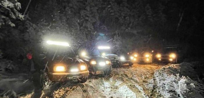"""Ορεινή Ναυπακτία: Αυτοκίνητα 4χ4 """"ζωγραφίζουν"""" πάνω στο χιόνι(Video)"""