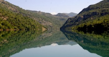 Αντικατοπτρισμοί στη Λίμνη Καστρακίου