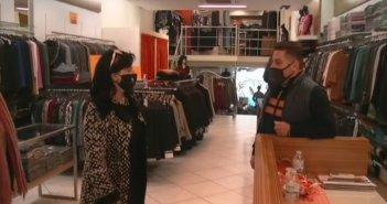 H Αντιπεριφερειάρχης Μαρία Σαλμά σε εμπορικά καταστήματα του Αγρινίου την πρώτη μέρα επαναλειτουργίας τους