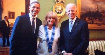 Η Ναυπάκτια Μαρία Λόη ανάμεσα σε δύο προέδρους των ΗΠΑ