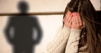 Καταγγελία για σεξουαλική παρενόχληση 12χρονης από ιερέα στην Αιτωλοακαρνανία
