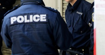 Πάτρα: Κλείστηκε στο σπίτι και απειλούσε πως θα αυτοκτονήσει