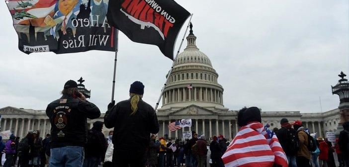 ΗΠΑ: Διαδηλωτές εισέβαλαν στο Καπιτώλιο (Video)