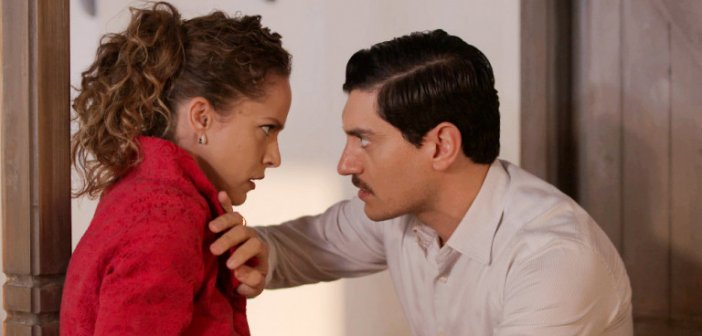 Αγριες Μέλισσες: Ο Τάκης εκβιάζει την Ασημίνα πως θα αποκαλύψει την πραγματική μητέρα του μικρού Σέργιου