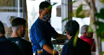 Μητσοτάκης: Δύο νέα μέτρα στήριξης -Επιχορήγηση ενοικίου 80% τον Φεβρουάριο, για 2 ακόμη μήνες επίδομα ανεργίας