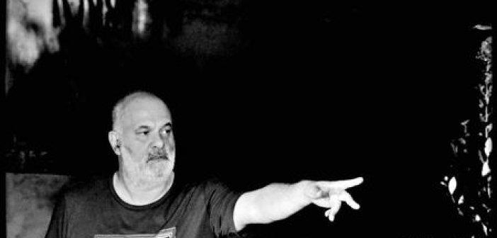 """Νίκος Καραγέωργος: """"Η τέχνη κάνει τον θεατή να συλλογάται και να συντονίζεται με τον εσωτερικό του κόσμο."""""""
