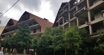 """Καρπενήσι: Στασιμότητα παρατηρείται στο έργο κατεδάφισης του ξενοδοχείου """"γιαπί"""""""