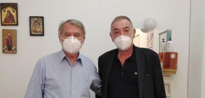 Εμβολιάστηκε στο Κέντρο Υγείας Αιτωλικού ο Παναγιώτης Τσιχριτζής