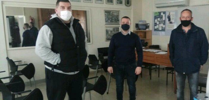 Εστίαση: Καταστηματάρχες του Αγρινίου στέλνουν τα κλειδιά τους στο Μέγαρο Μαξίμου (ΦΩΤΟ)