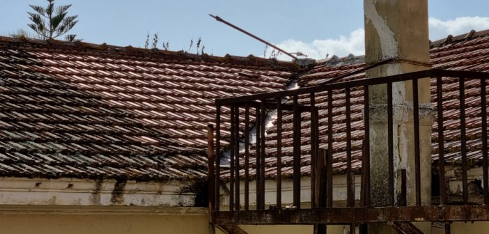 Εργασίες αποκατάστασης κεραμοσκεπής του παλαιού νοσοκομείου «ΧΑΤΖΗΚΩΣΤΑ»