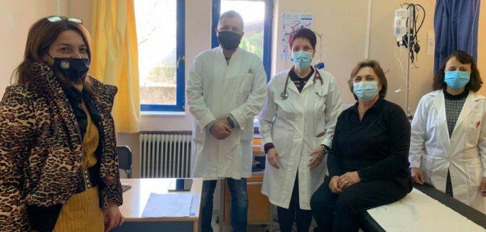 Πρώτη μέρα εμβολιασμών στο Κέντρο Υγείας Θέρμου (ΦΩΤΟ)