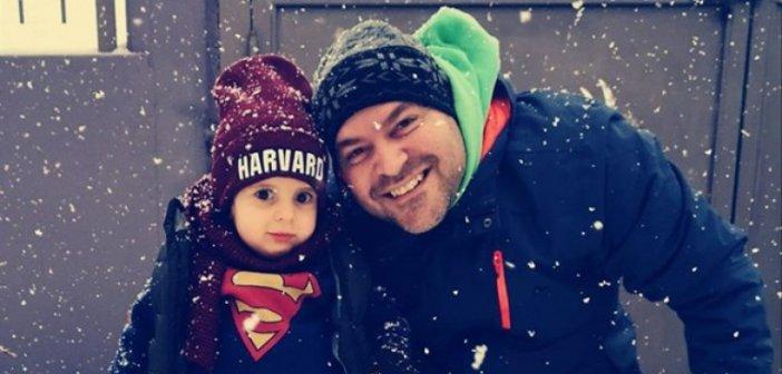 Ο μικρός Παναγιώτης Ραφαήλ στο χιόνι -Το μήνυμα των γονιών του [εικόνα]