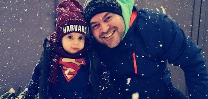 Συγκινεί ο μικρός Παναγιώτης Ραφαήλ -Το μήνυμα των γονιών του στα χιόνια