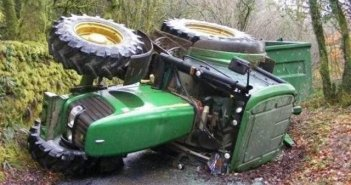Ραΐνες: Σοβαρά τραυματίας αγρότης που τον πλάκωσε τρακτερ