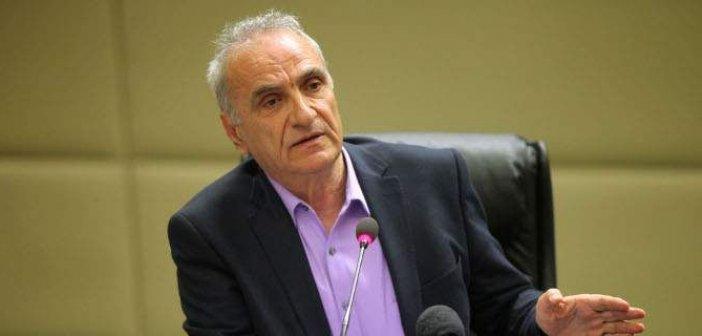 Γιώργος Βαρεμένος: «Επαγρύπνηση και όχι εμβολιαστικός τουρισμός»
