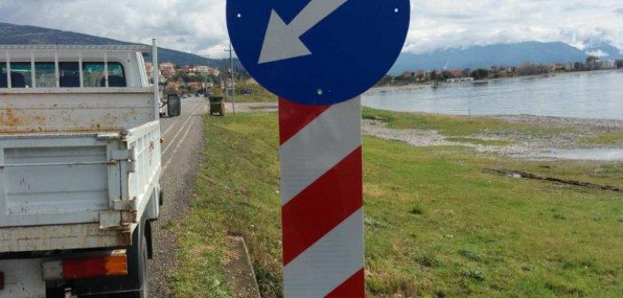 Ναύπακτος: Εργασίες σήμανσης για την οδική ασφάλεια από τον κόμβο Πλατανίτη έως τη Γέφυρα Βαριάς