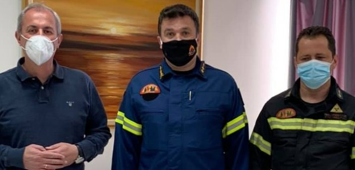 Ο νέος Διοικητής της Πυροσβεστικής Υπηρεσίας Αγρινίου στο Δήμαρχο Θέρμου