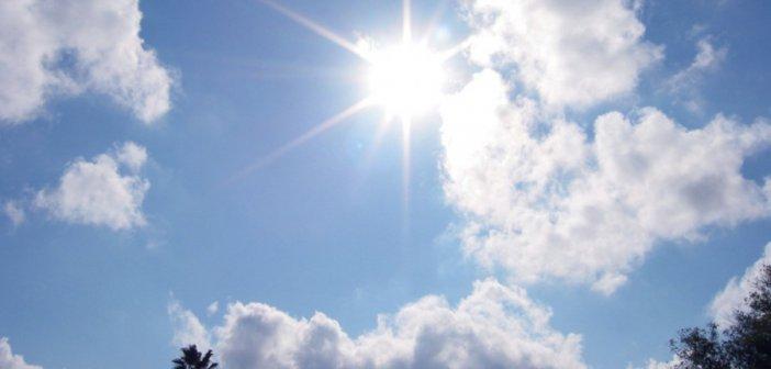 Καιρός: Επιμένουν οι υψηλές θερμοκρασίες – Πού θα βρέξει