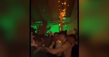 Πάτρα: Συνωστισμός, αλκοόλ και… πλήρης αδιαφορία για τα μέτρα σε πάρτι σε σπίτι (βίντεο)
