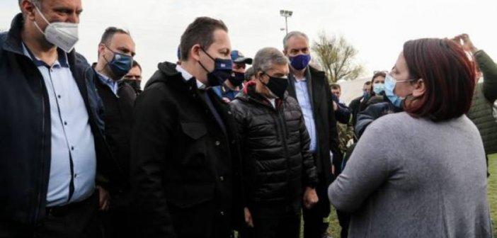 Πέτσας: Τη Δευτέρα η καταβολή 300.000 ευρώ σε κάθε σεισμόπληκτο δήμο