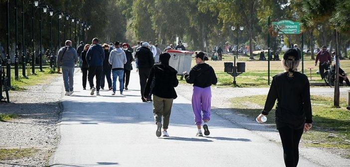 Κορονοϊός: 1.558 κρούσματα, 10 θάνατοι και 123 διασωληνωμένοι σήμερα Κυριακή