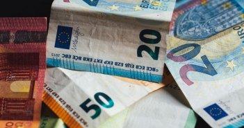 Επίδομα ανεργίας: Σήμερα οι πρώτες πληρωμές για τη δίμηνη παράταση από τον ΟΑΕΔ
