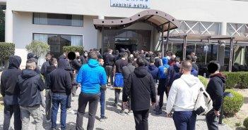 Στο πλευρό των παικτών του Παναιτωλικού οι Warriors πριν αναχωρήσουν για το σημαντικό παιχνίδι στη Λάρισα