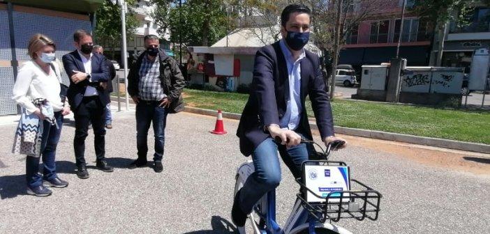 """Αγρίνιο: Μετακινηθείτε """"έξυπνα"""" με ηλεκτρικό ποδήλατο – Έδωσε το παράδειγμα ο δήμαρχος στην παρουσίαση του συστήματος (εικόνες, video)"""