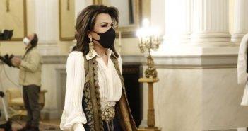 Να ντύσουμε τη Γιάννα Βραχωρίτισσα