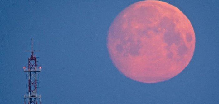 Σήμερα και αύριο η πρώτη «ροζ» υπερ-πανσέληνος του έτους