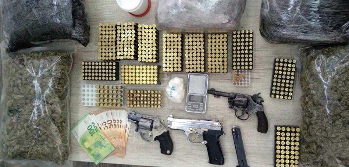 Πάτρα: Συνελήφθησαν με κοκαΐνη, κάνναβη και όπλα  – Τι βρήκαν οι αστυνομικοί σε γκαράζ
