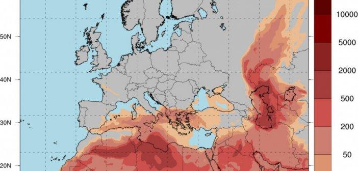 Καιρός: Νεφώσεις με βροχές στα δυτικά και αυξημένες συγκεντρώσεις σκόνης