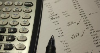 Φορολογικές δηλώσεις: Οι αλλαγές σε δόσεις, αποδείξεις, ενοίκια, τεκμήρια