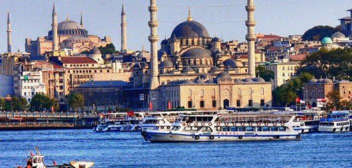 Τουρκία: Η κυβέρνηση εξετάζει αυστηρότερο lockdown για να σώσει την τουριστική περίοδο