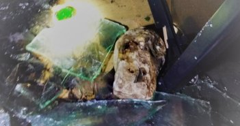 """Μεσολόγγι: Τα """"πειστήρια"""" της εμπρηστικής επίθεσης στο κατάστημα"""